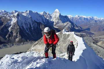 ISLAND PEAK WITH EVEREST BASE CAMP